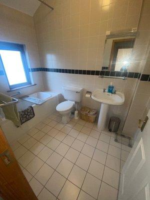 bathroom of no 2 carleton village